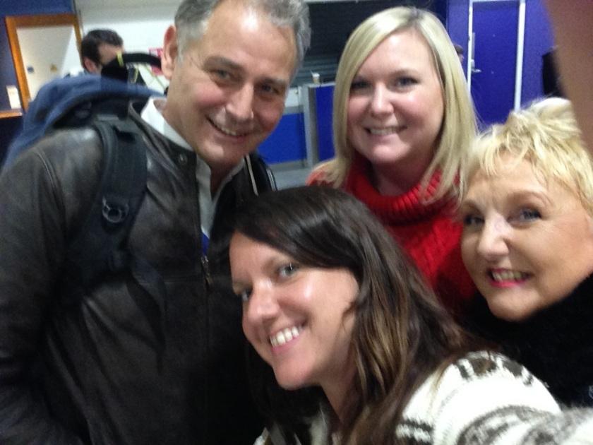 manchester-airport-selfie-nov-28-2015